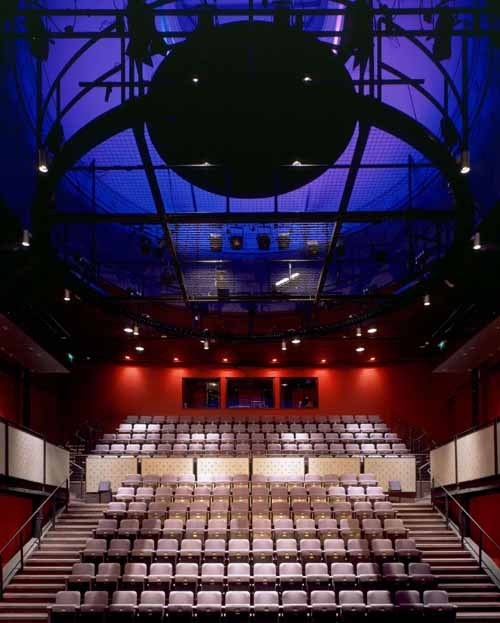 tron_theatre_rmjm24m